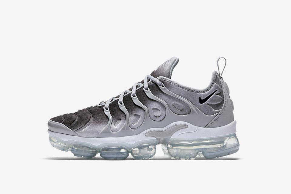 Nike-air-vapormax-plus-grey-black-white