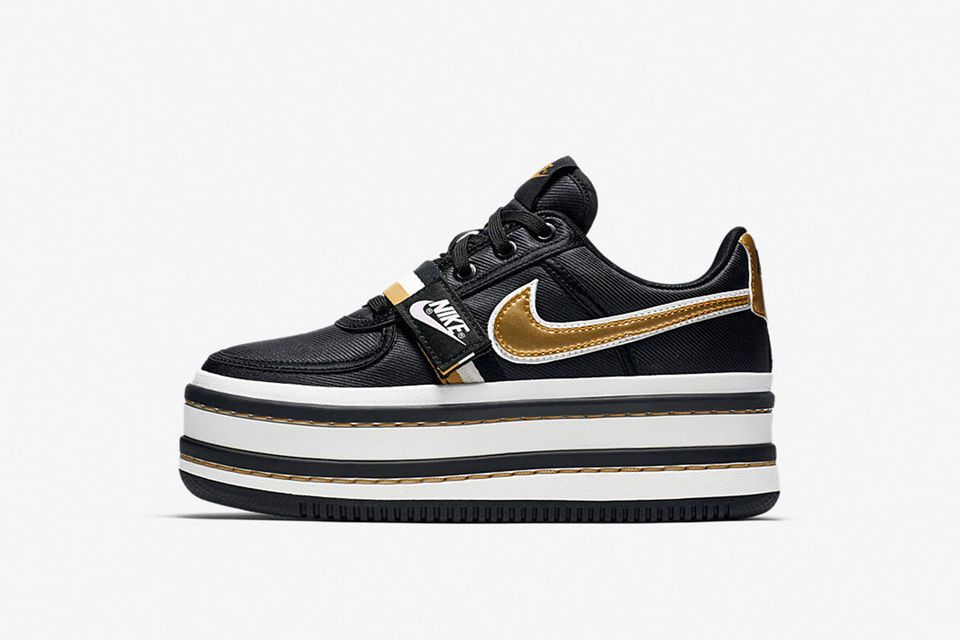 nike-womens-vandal-2k-black-gold