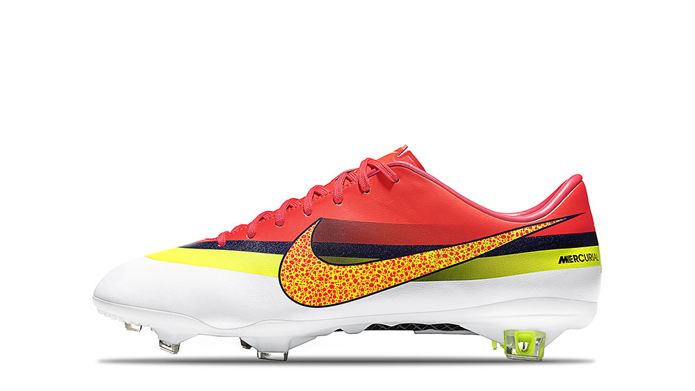 2013_Mercurial_Vapor_IX_CR7_White_Volt_Total_Crimson_63718
