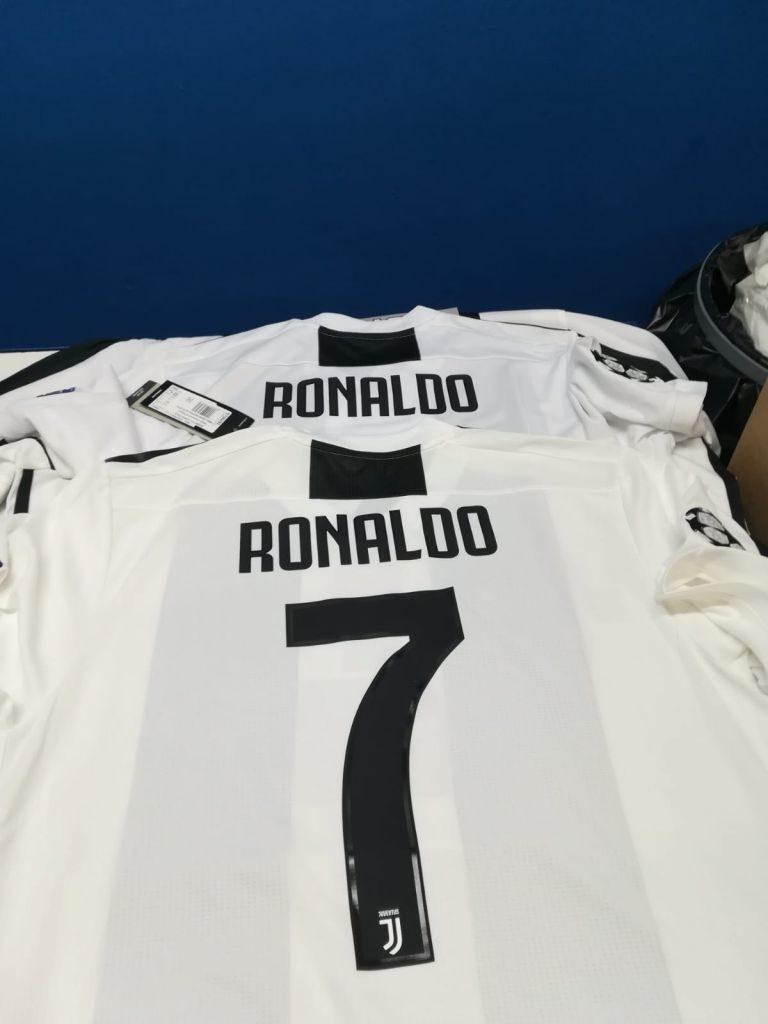 Maglia-Ronaldo-Juventus-768x1024